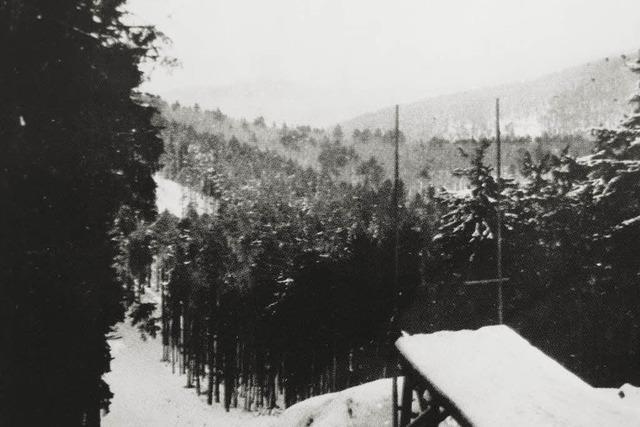 Skischuhe, Sprunglatten und Uhren