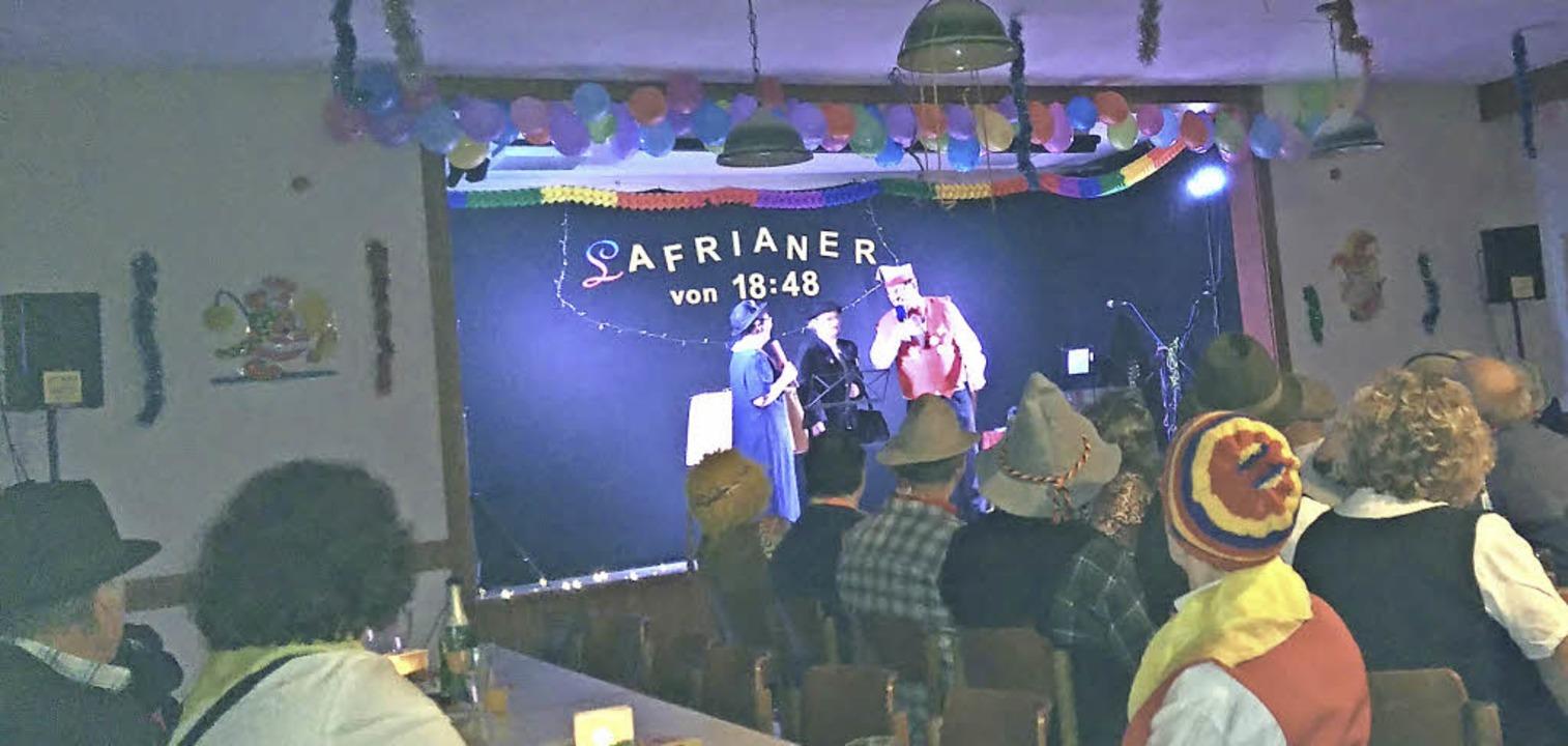 Geschichten aus dem Dorf berichtete Ma... neue Verein der Lafrianer von 18.48.     Foto: Heike Hartmann