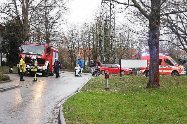 Feuerwehr löscht Brand im Kurgebiet