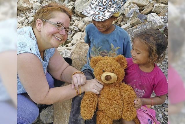 So ist ein Teddybär aus Seelbach in Kathmandu gelandet