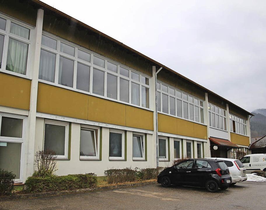 In der ehemaligen Grundschule in Obers...d DRK bezogen hier inzwischen Räume.    | Foto: Karin Heiss