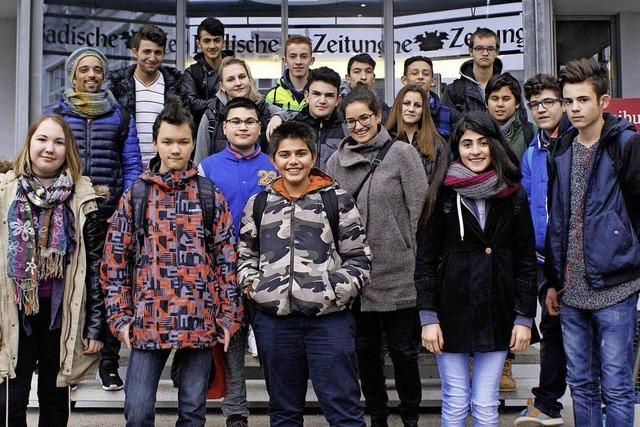 Vorbereitungsklasse besucht die BZ in Freiburg
