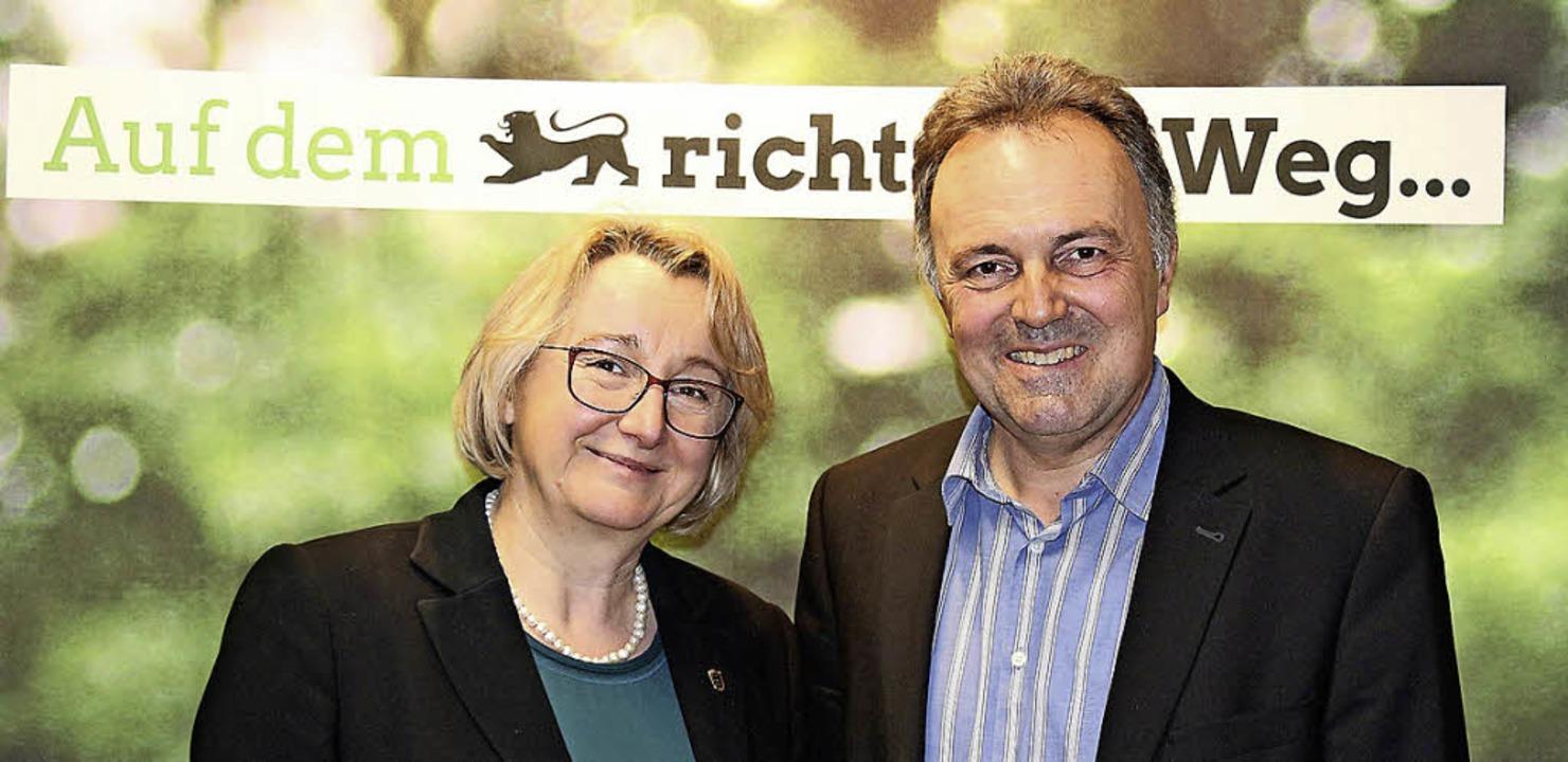 Theresia Bauer und der Landtagsabgeordnete Josha Frey   | Foto: Boris Pasek