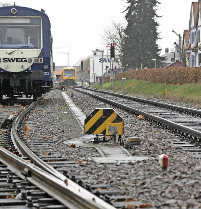 Rangierbetrieb im Wohngebiet: Damit so...ng der Kaiserstuhlbahn Schluss sein.    | Foto: Wendel