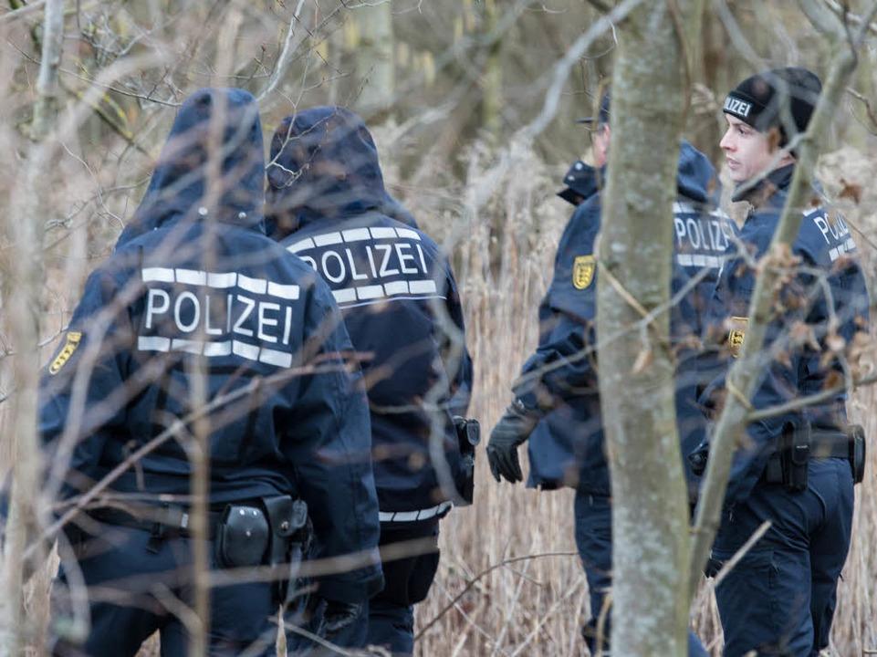 Ob die Polizeibeamten bei ihrer Suchak...tbare Spuren stießen, ist noch unklar.  | Foto: dpa