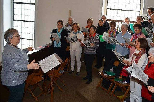 Claudia Götting dirigiert jetzt den Gesangverein Rhenus