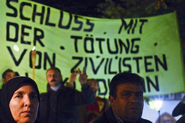 Zehn Kurden treten in dreitägigen Hungerstreik