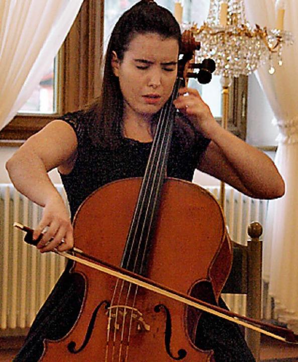 Bei dem hochkarätigen internationalen ...e Cellistin Natalia Dauer dem Publikum  | Foto: Karin Stöckl-Steinebrunner