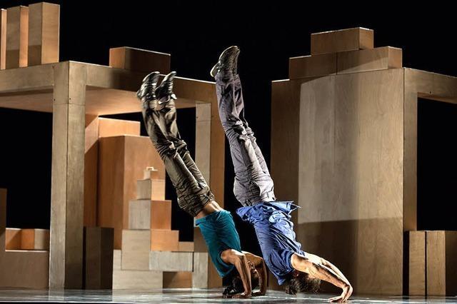 Körper und Identität, Show im Théater de Hautepierre - Les Migrateur in Straßburg