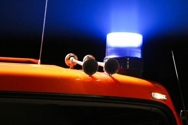 Feuerwehr findet Toten nach Brand bei Munitionshändler in Stühlingen