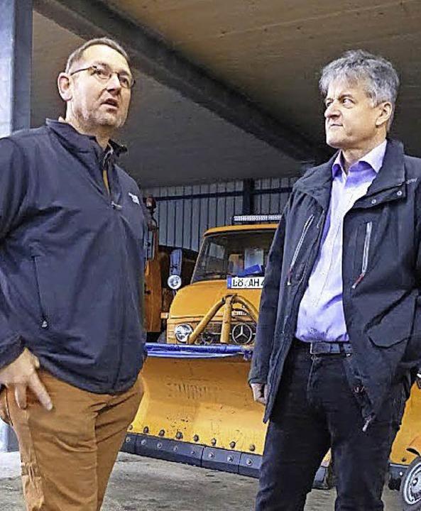 Werkhofleiter Günther Schmittel (links)  mit Kandidat Gunther Braun.  | Foto: Robert Bergmann