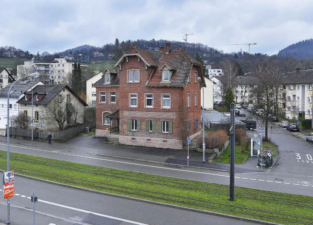 Das ehemalige Gasthaus an der Merzhauser Straße wird bald abgerissen.   | Foto: Michael Bamberger