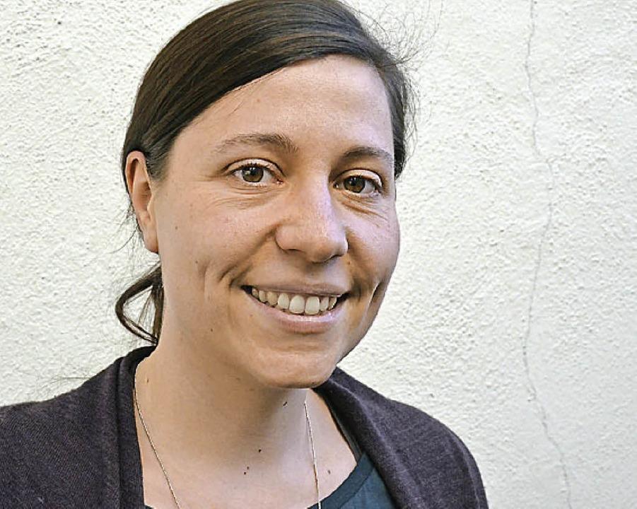 Sozialarbeiterin Christina Grimm (link...m Freundeskreis Flüchtlinge Münstertal  | Foto: Gabriele Hennicke
