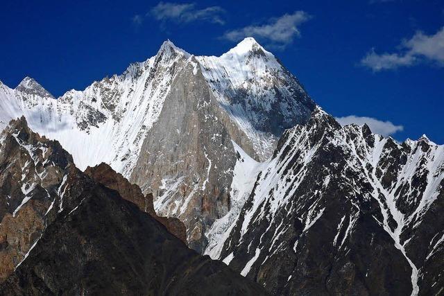 Aufstieg zu unberührten Gipfeln