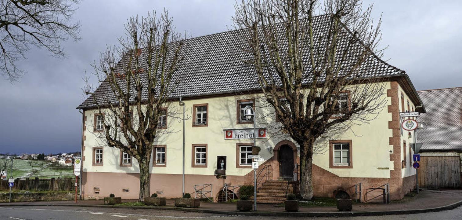 Hohe Stromkosten belasten die Vereine,...äude und die angrenzenden Grundstücke.  | Foto: Benedikt Sommer