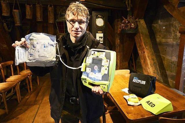 Wo sind die lebensrettenden Defibrillatoren in Freiburg?