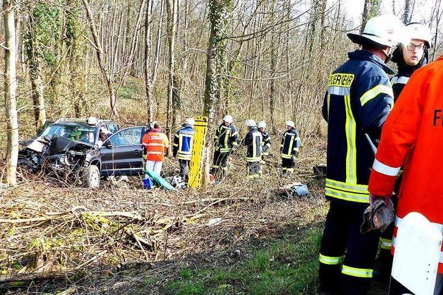 Frau bei Unfall bei Kürzell schwer verletzt