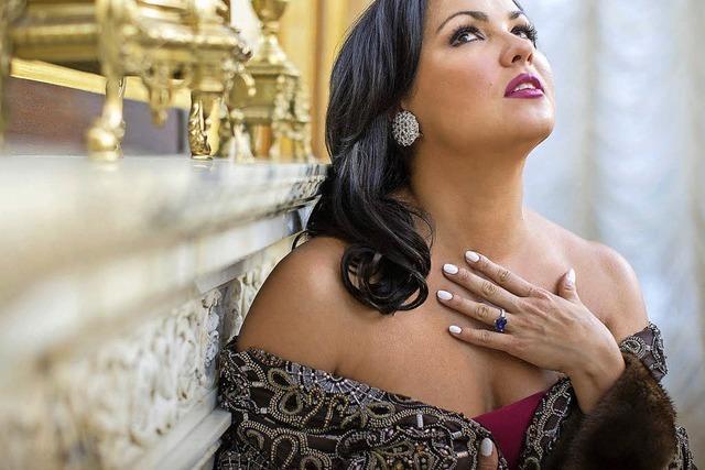 Die Operndiva singt Russische Lieder im Festspielhaus