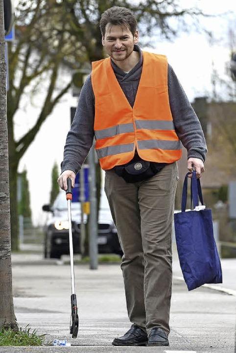 Eidgenosse Daniele Rohner ist ein freiwilliger und eifriger Müllsammler.    Foto: dpa