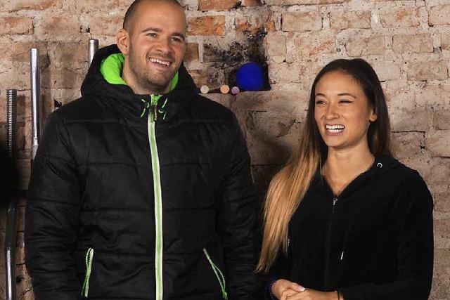 Dieses Paar aus Endingen sorgt mit Fitnessvideos bei Youtube für Aufsehen
