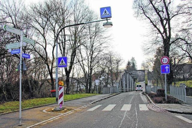 Freie Sicht an Feldwegbrücke