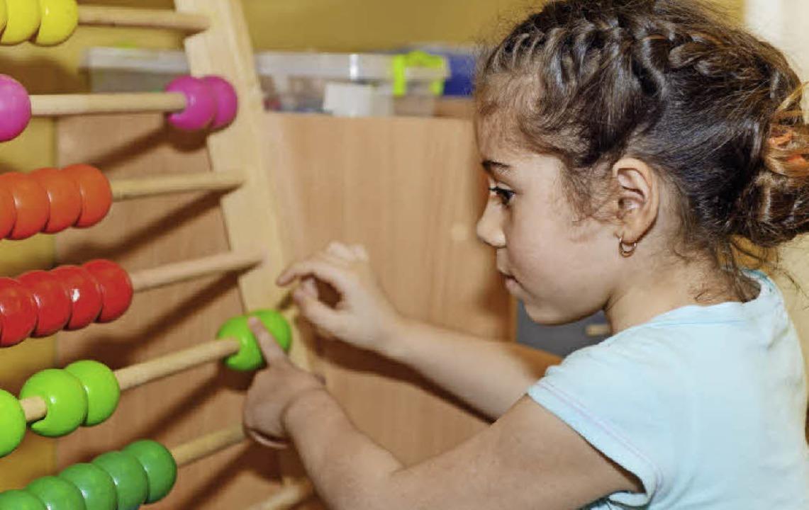 Das Rechnen lernen nicht nur die Kindergartenkinder, sondern auch ihre Eltern.   | Foto: colourbox