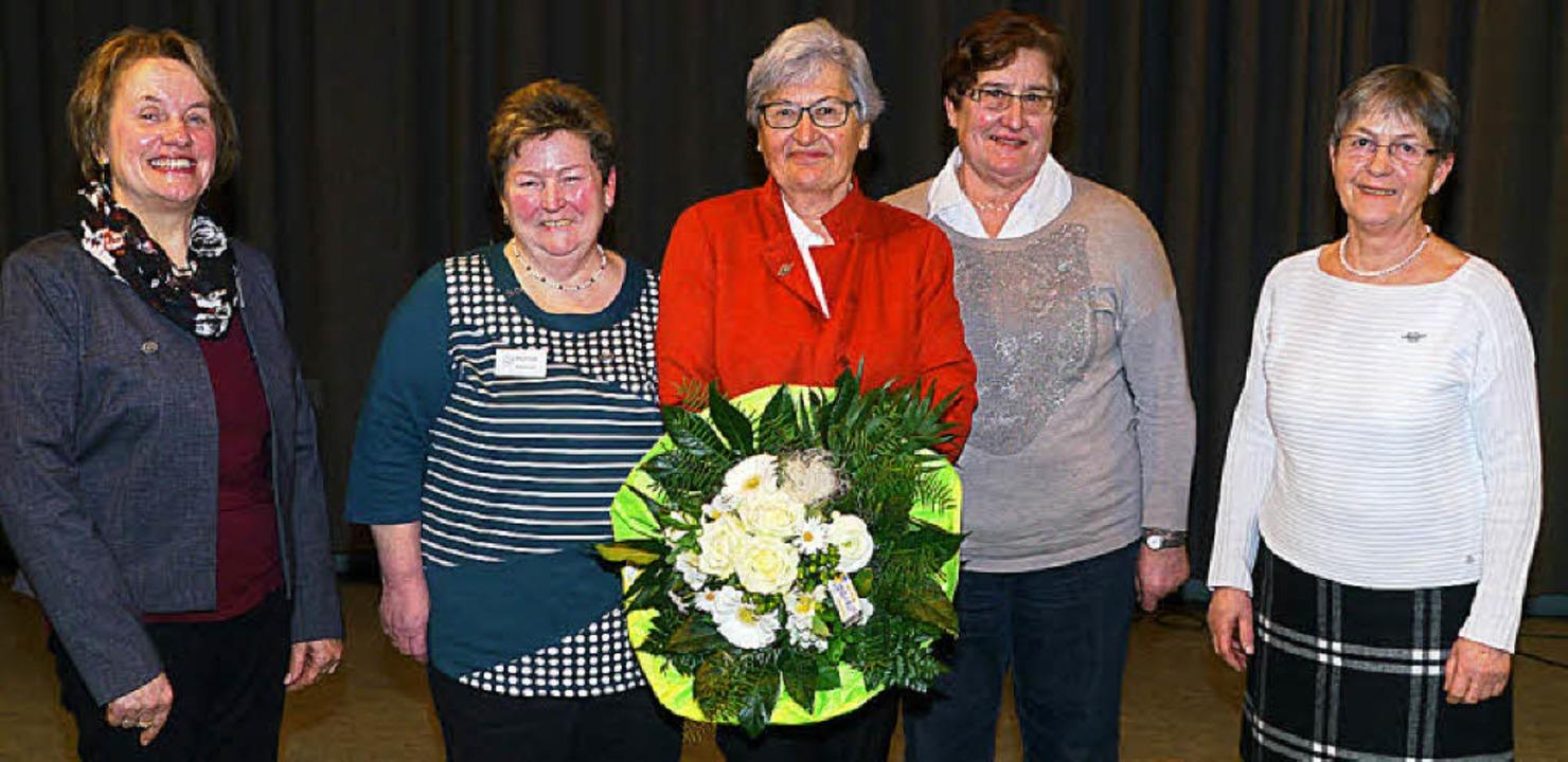 Der Bezirksverband feierte in Endingen... der Landesehrennadel honoriert wurde.  | Foto: Christel Hülter-Hassler