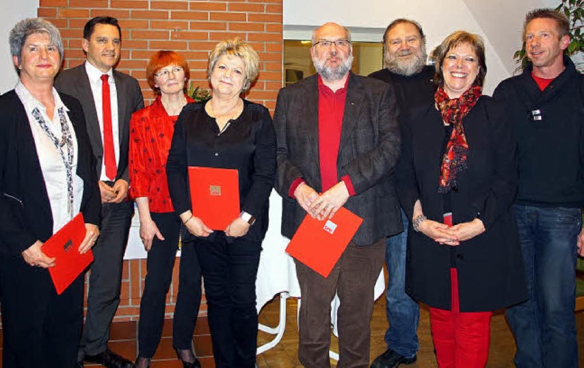 Ehrungen beim SPD-Ortsverein Kenzingen...der für bis zu 40 Jahre in der Partei.  | Foto: Ilona Hüge