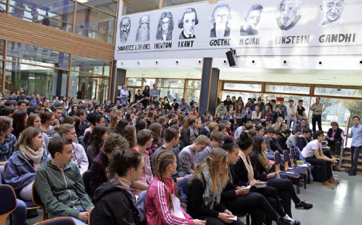 Aufmerksame Schüler: Viele gehen dieses Jahr erstmals wählen.  | Foto: SylviaSredniawa