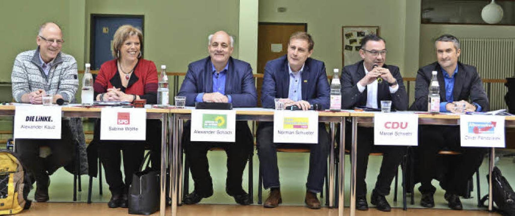 Die Kandidaten zur Landtagswahl auf dem Podium im Geschwister-Scholl-Gymnasium.  | Foto: Fotos: sylvia Sredniawa