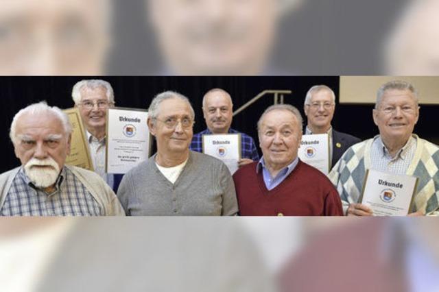 Angelsportler beteiligen sich an Bachforellenprojekt