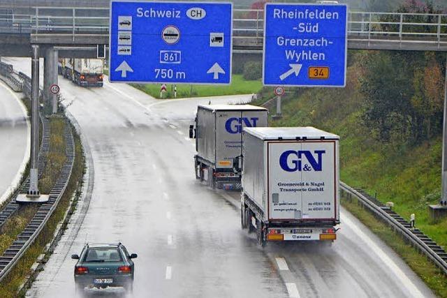 Zoll kritisiert Lkw-Fahrer