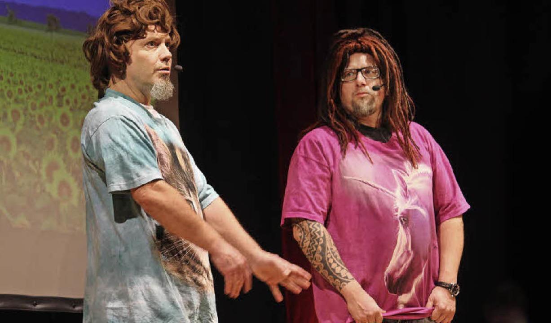 Hart an der Geschmacksgrenze: das Comedy-Duo Mundstuhl im Bürgerhaus   | Foto: EriK Stahlhacke