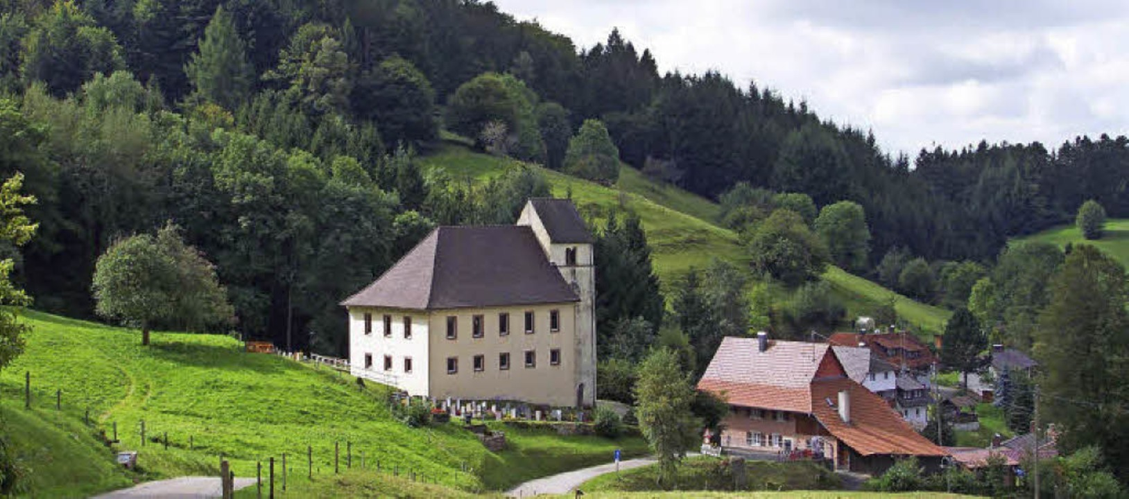 Die Michaelskirche Kaltenbach ist Ausgangspunkt des Geschichtsweges    Foto: Rolf-Dieter Kanmacher