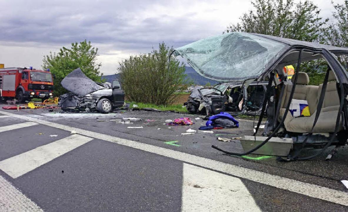 Bei einem Unfall bei Kirchzarten sind ...ngenen April drei Menschen gestorben.     Foto: Kamera 24