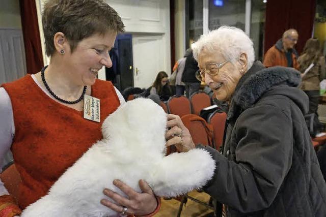Alltagshelfer für ältere Menschen