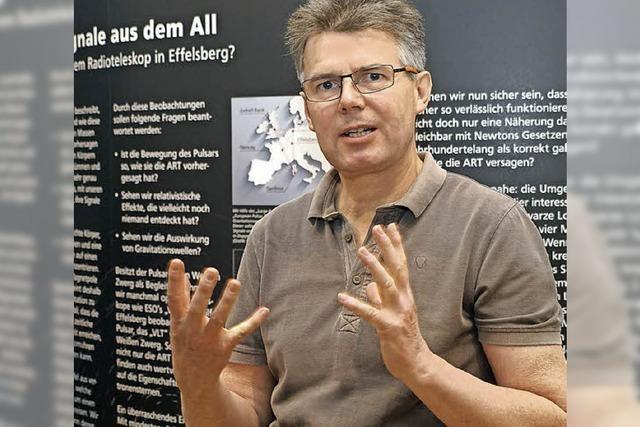 Der Designer Markus Dold hat eine Ausstellung zu Einstein und Gravitationswellen gestaltet