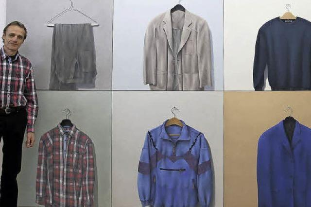 Selbstbildnisse mit Motiven aus dem Kleiderschrank