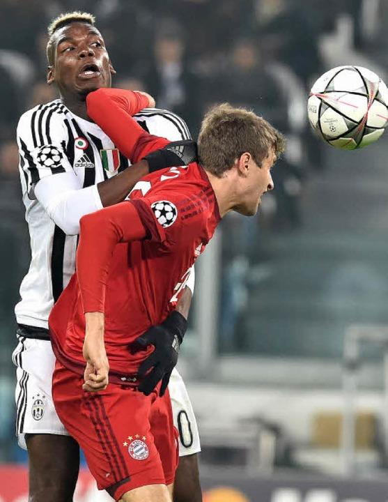 Dem Ergebnis nach auf Augenhöhe: Turin...hner Führungs-Torschütze Thomas Müller  | Foto: dpa