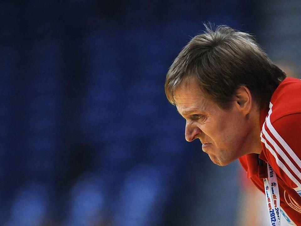 Der ehemalige Handball-Bundestrainer M...s – im Landratsamt in Offenburg.  | Foto: AFP