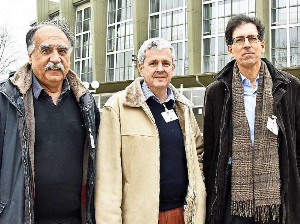 """Drei von  100 """"Refudocs"""", ...Internist Rainer Hagemann (von links).    Foto: Michael Bamberger"""