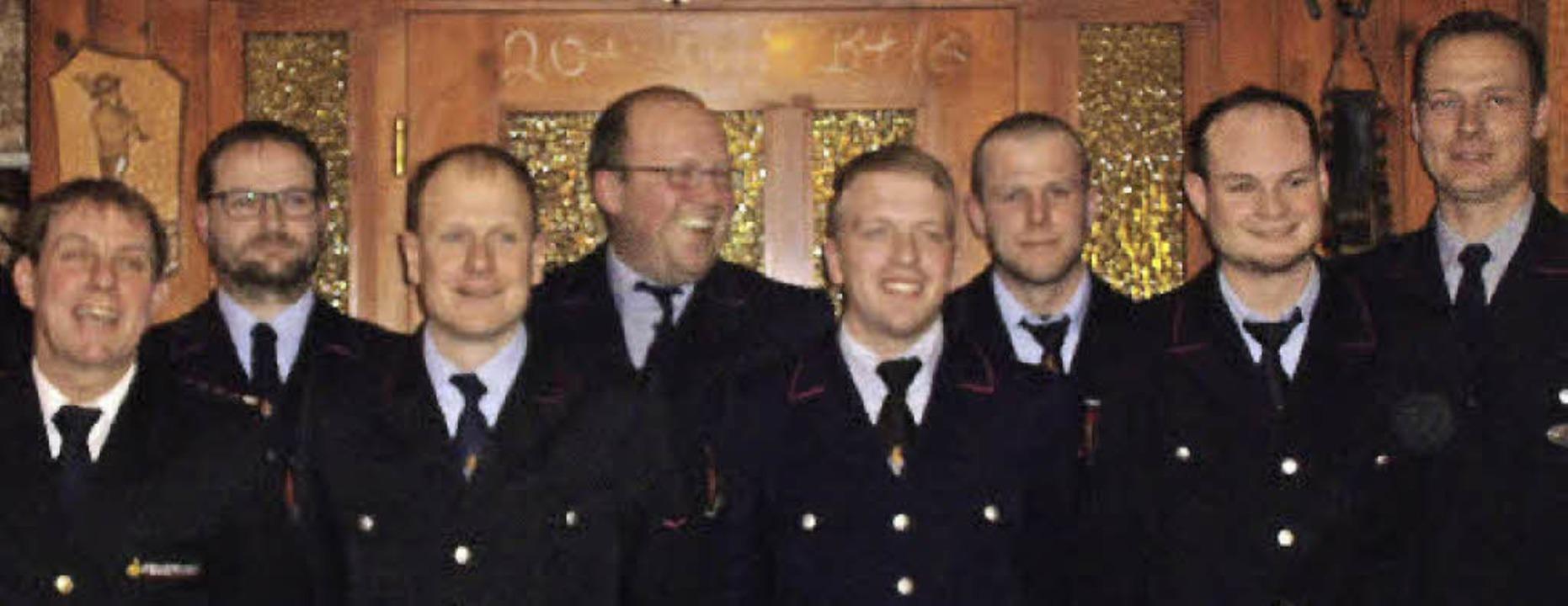 Bei den Beförderungen (von links): Han...htig (Oberfeuerwehrmann), Martin Selz.  | Foto: Cornelia Selz