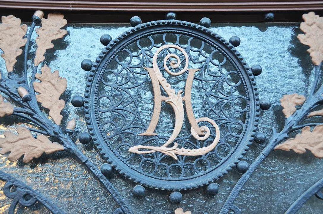 Das Wappen an der Tür  | Foto: Tanja Bury