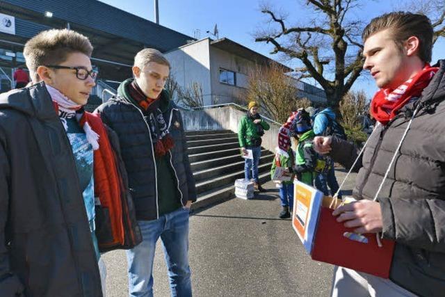 Wahl-O-Mat Aktion beim Heimspiel soll bei SC-Fans Lust aufs Wählen machen