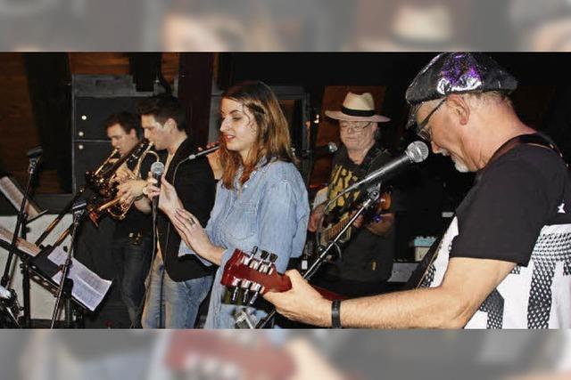 Neue Band sorgt für ein volles Café Verkehrt