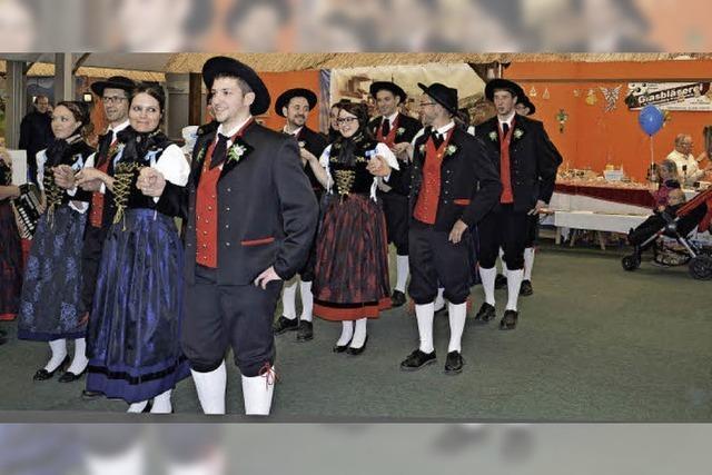 Tanz, Tracht und Tradition