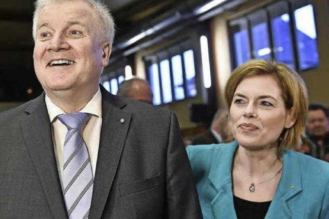Klöckners Spagat zwischen Merkel und Seehofer