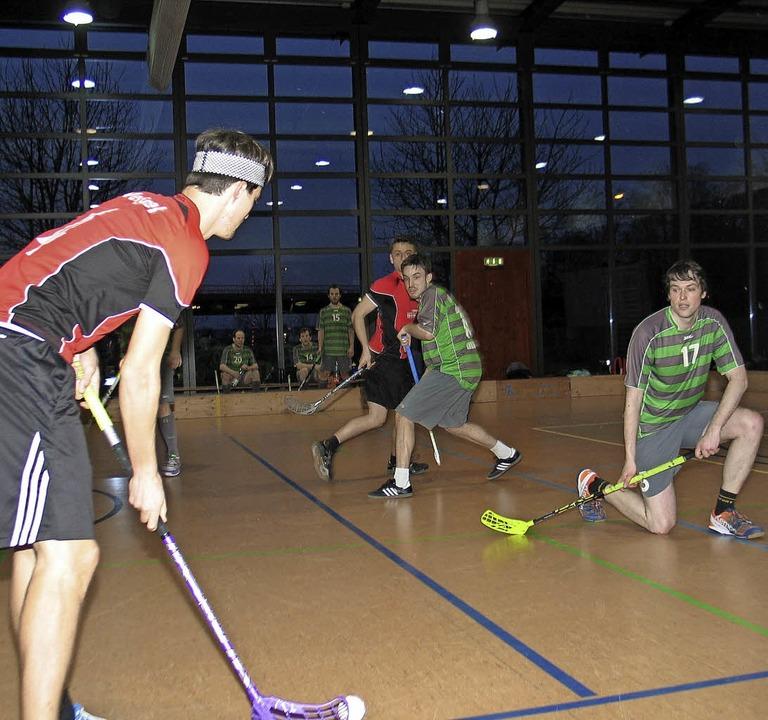 Spielszene aus dem Finale beim Riegeler Floorballturnier.   | Foto: Hassler