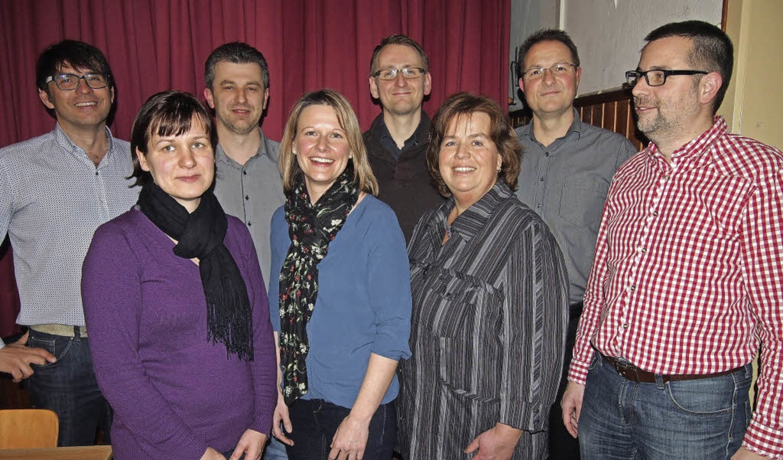 Das neue Vorstandsteam (von links): Ed...r ehemalige Vorsitzende Christian Ott.  | Foto: Gabriele Poppen