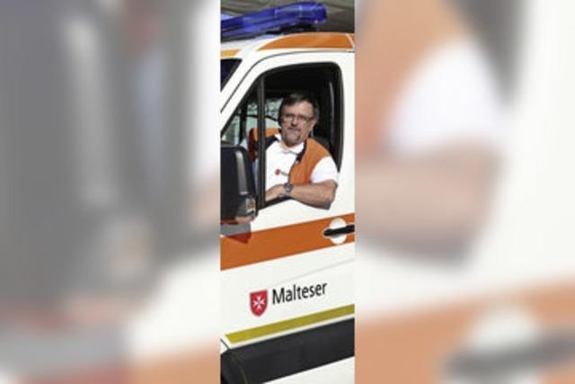 Peter Bank ist seit mehr als 40 Jahren als Rettungsassistenz in Freiburg im Einsatz